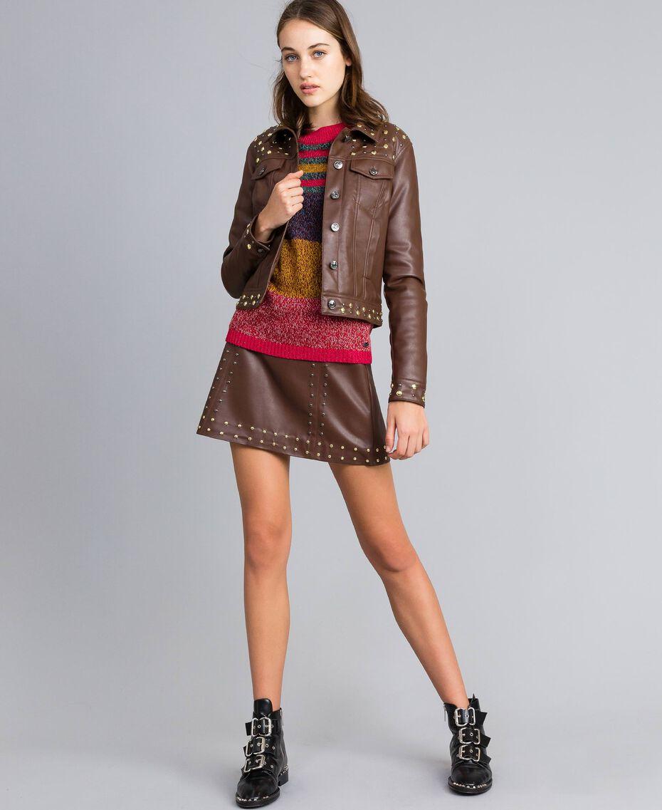 Jacke aus Lederimitat mit Nieten Mahagoni Bordeaux Frau YA82BC-0T