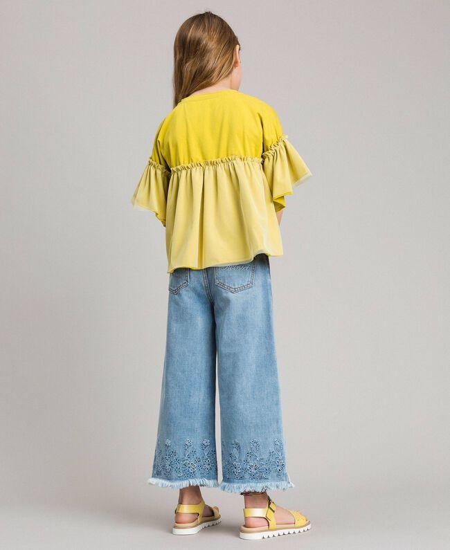 Weite Jeans mit Lochstickerei-Verzierung Helles Denim Kind 191GJ2250-03