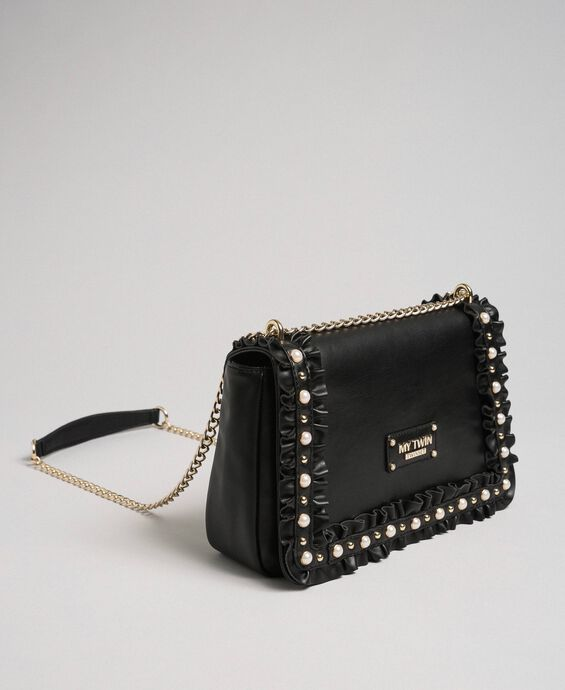 Shoulder bag with flounce and pearls