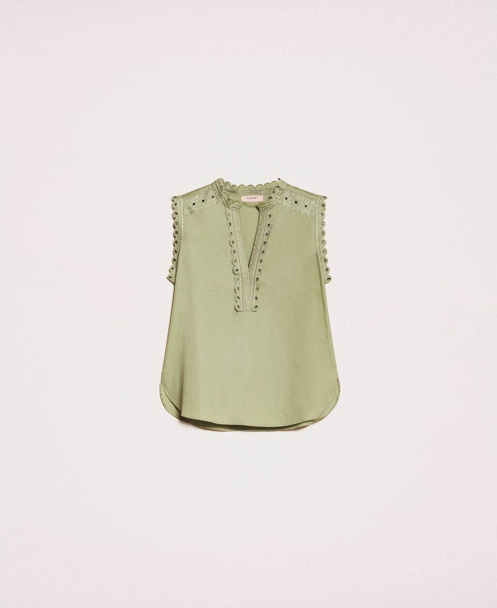 Poplin top with embroidery