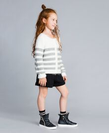 "Cardigan in misto lana a righe Bicolor Off White / Grigio ""Grey Stone"" Bambina GA83E2-02"