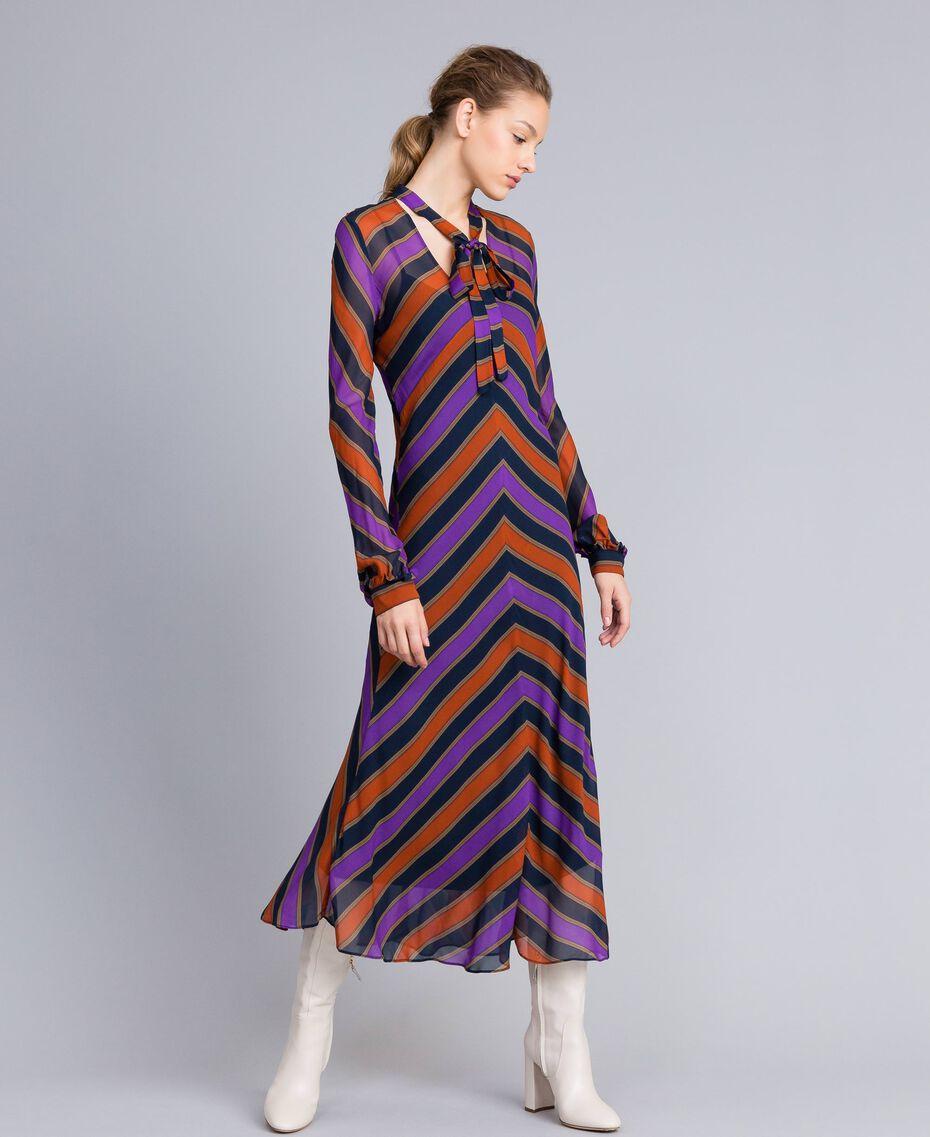 Robe longue en crêpe georgette rayé Imprimé Rayure Multicolore Femme TA8294-01