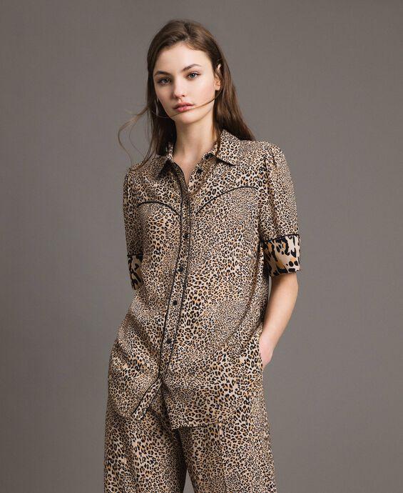 Animal print crêpe shirt