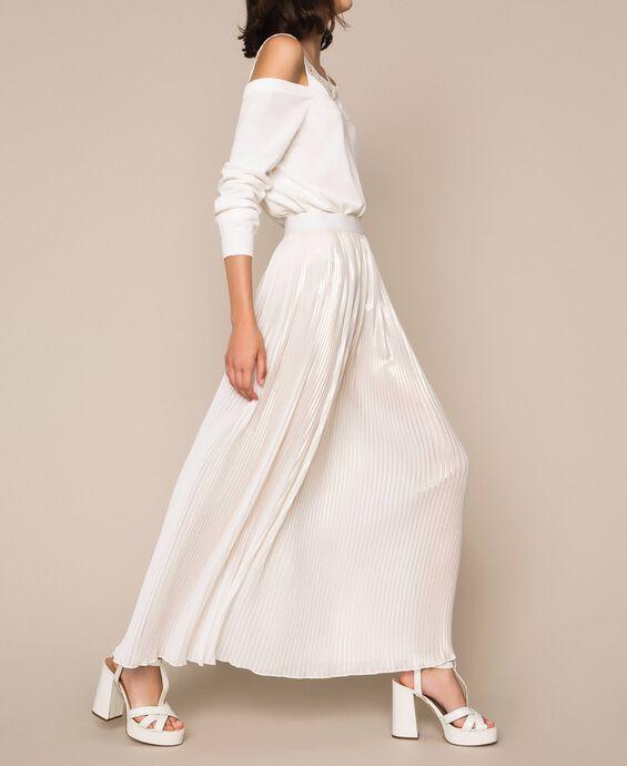 Laminated pleated long skirt