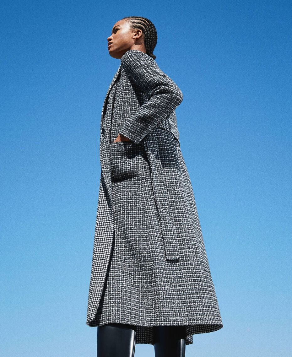 Double wool cloth reversible coat Black / Snow White Check Design Woman 202TP205C-03