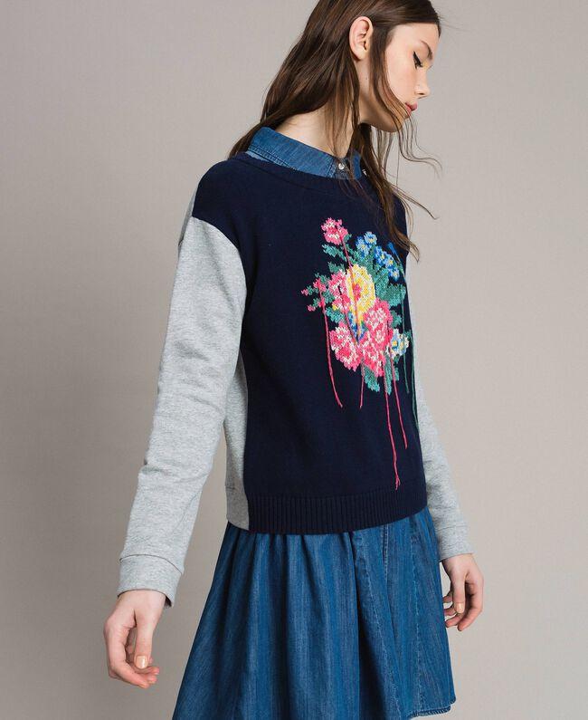Pullover mit handgefertigter Blumenintarsie Zweifarbig Melange Hellgrau / Indigo Frau 191MP3122-01