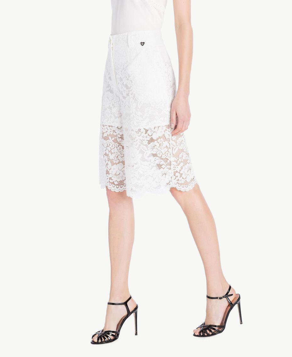 Shorts aus Spitze Weiß Frau TS828T-02
