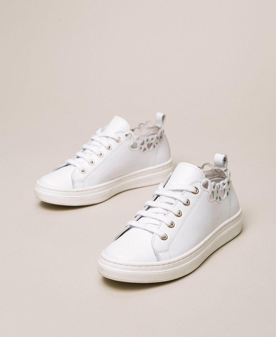 Sneakers in nappa con ricamo Bianco Bambina 201GCJ070-02