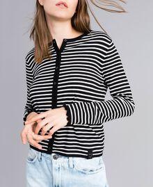 Cardigan à rayures bicolores avec ruches Rayure Noir / Blanc Nacre Femme JA83BR-04