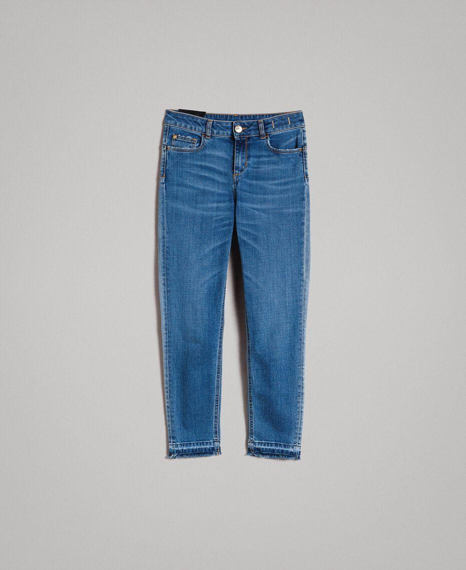 Skinnyjeans mit ausgefranstem Beinabschluss Denimblau Frau 191MP2473-0S
