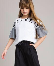 T-Shirt aus Jerseystoff mit Gingham-Volants Zweifarbig Optisch Weiß / Gingham Kind 191GJ2731-02