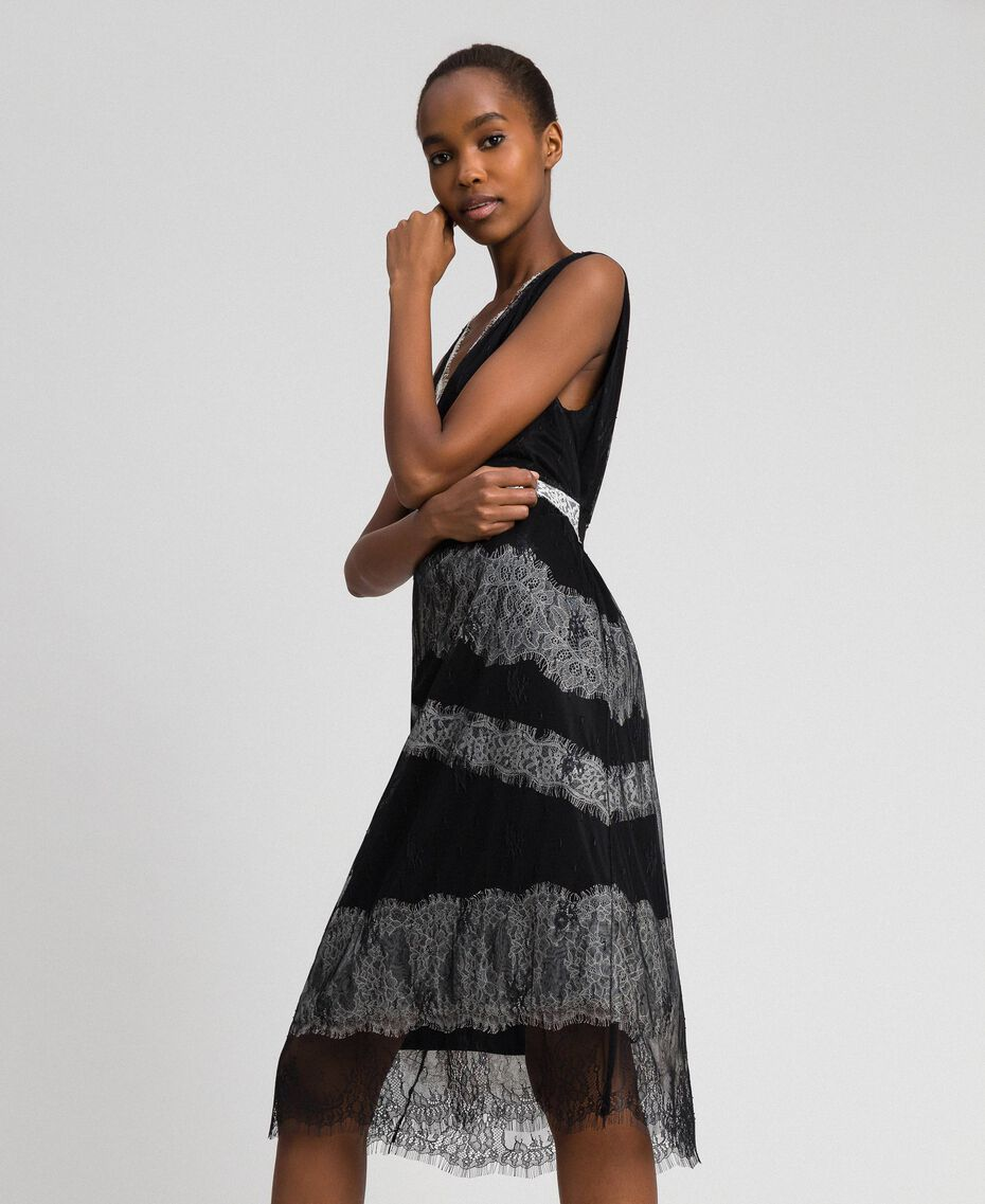 Chantilly lace dress with contrasting inlays Black / Creamy White Woman 192ST2114-01