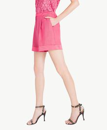 Shorts aus Envers-Satin Provocateur Pink Frau TS823B-02