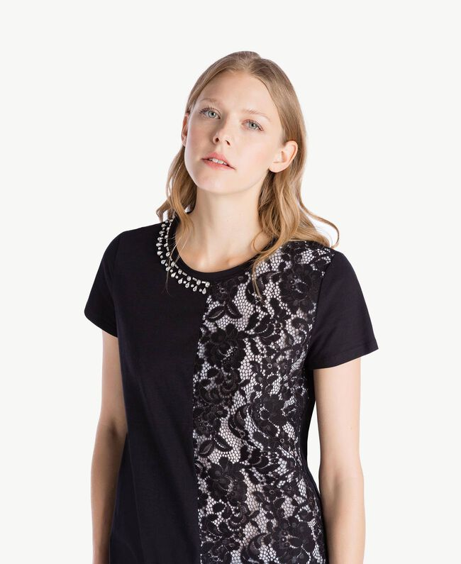 Maxi-T-Shirt mit Stickerei Schwarz Frau TS829R-04