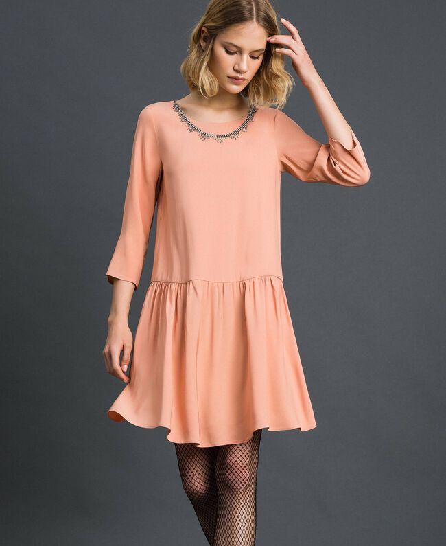Kleid aus Georgette mit abnehmbarem Schmuck Schwarz Frau 192TP2110-01