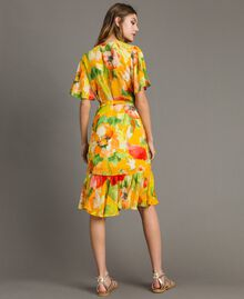 Georgette-Kleid mit Blumenmuster Motiv Gelbe Macro Blumen Frau 191TT2482-03