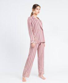 Pyjama mit Streifenmuster und Spitze Mehrfarbige Streifen Barockrosa Frau IA8DNN-02