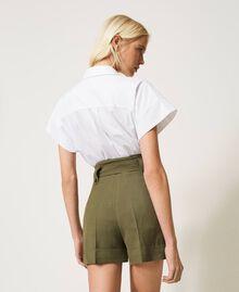 Short en lin mélangé Vert Alpin Femme 211TT2586-03