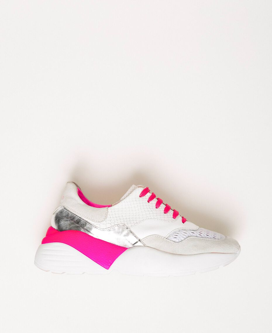 Running shoes with fluorescent finishes Two-tone Optical White / Fluo Fuchsia Woman 201TCP150-01