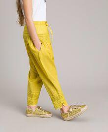 """Pantalon en voile de coton avec broderie Jaune """"Bambou"""" Enfant 191GJ2351-02"""