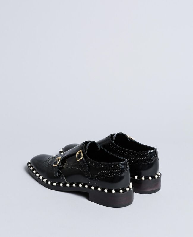 Brogues aus Leder mit Zierperlen Schwarz Frau CA8PES-03