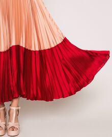 """Длинное платье-комбинация из плиссированного атласа Разноцветный Красный """"Лава"""" / Фиолетовый """"Балерина"""" / Телесный розовый женщина 201TP2310-05"""