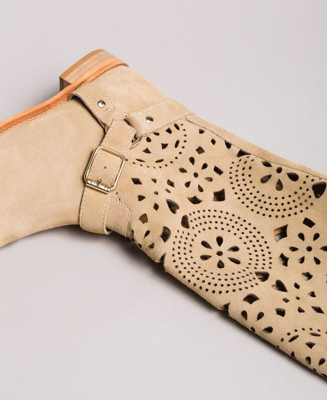 Embroidered suede boots Nougat Beige Woman 191TCP118-04