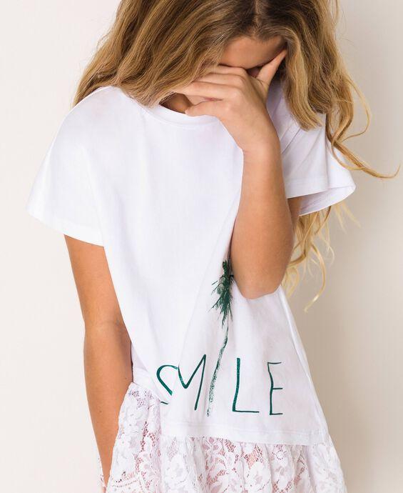T-shirt asimmetrica con pizzo