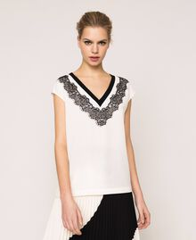"Crêpe de Chine top with lace Two-tone ""Silk"" White / Black Woman 201ST201A-01"