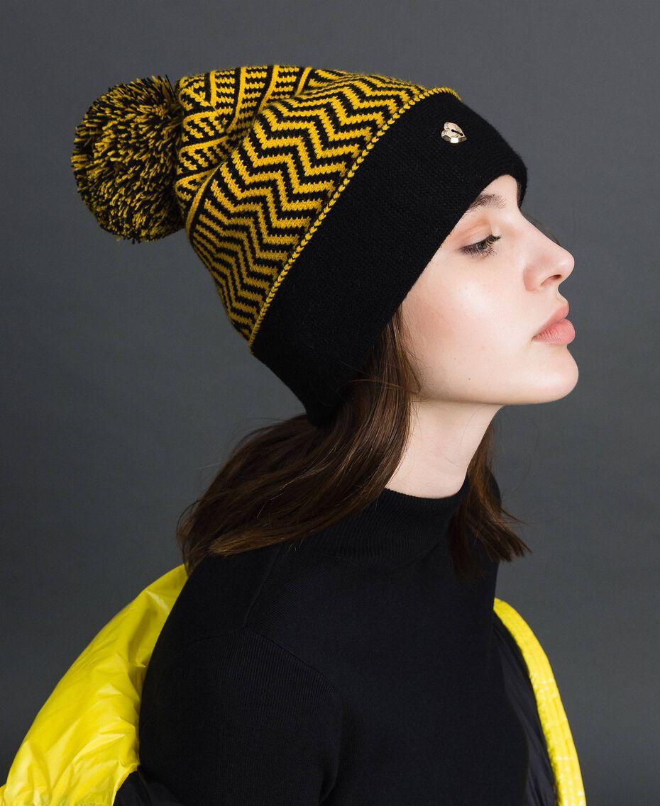 Berretto in maglia jacquard con pompon Yellow / Nero Donna 192MO531A-0S