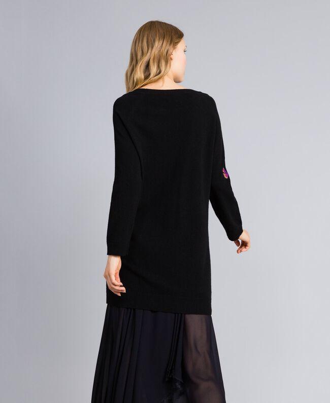 Kleid aus Wollmischung mit Stickerei 3D-Stickerei Schwarz Frau TA83JA-03