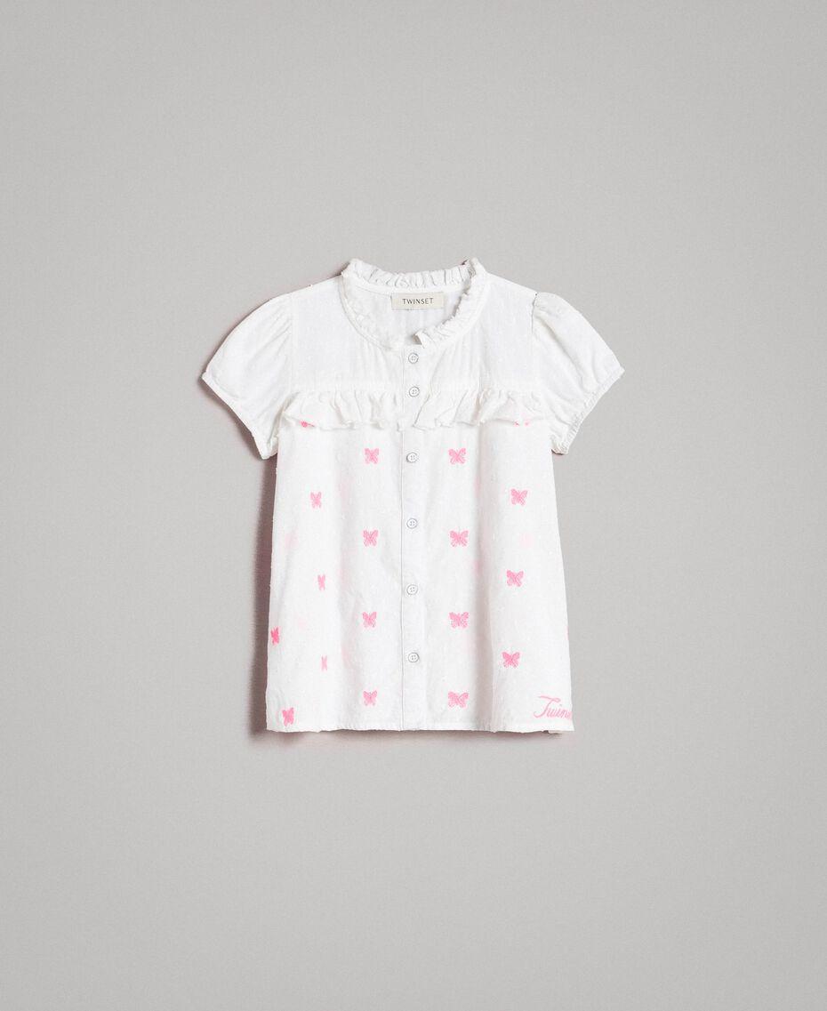 Рубашка из плюмети с бабочками Оптический Белый / Неоновая Фуксия, Вышивка Pебенок 191GJ2371-01