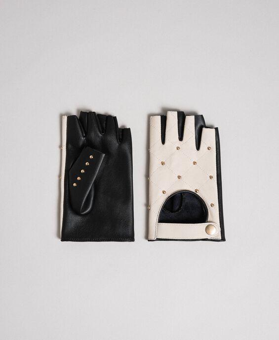 Zweifarbige Handschuhe aus Leder mit Nieten