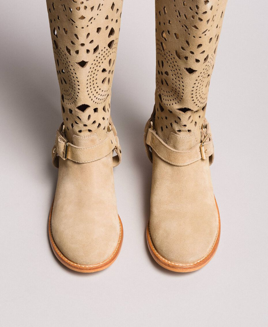 Embroidered suede boots Nougat Beige Woman 191TCP118-05