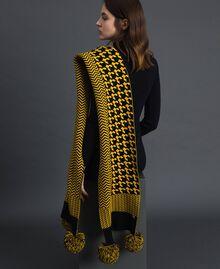 Sciarpa in maglia jacquard con pompon Yellow / Nero Donna 192MO5319-0S