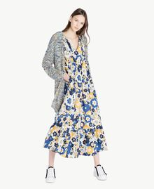 Langes Kleid mit Print Flacher Blumenprint Placid Blue Frau SS82PE-05