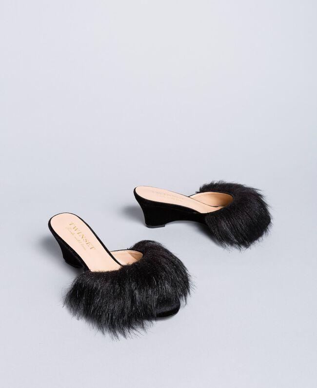 Slippers en velours avec semelle compensée Noir Femme LA8AJJ-01