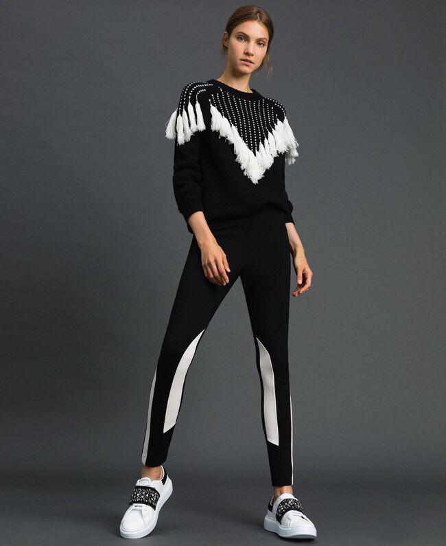 Maxi pull avec empiècement jacquard et franges Noir / Blanc «Vanille» Femme 192MT3240-01