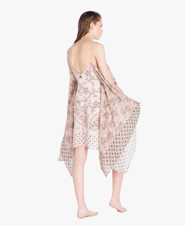 Kleid mit Print Patchprint Vegas Pink Frau BS8AJJ-04