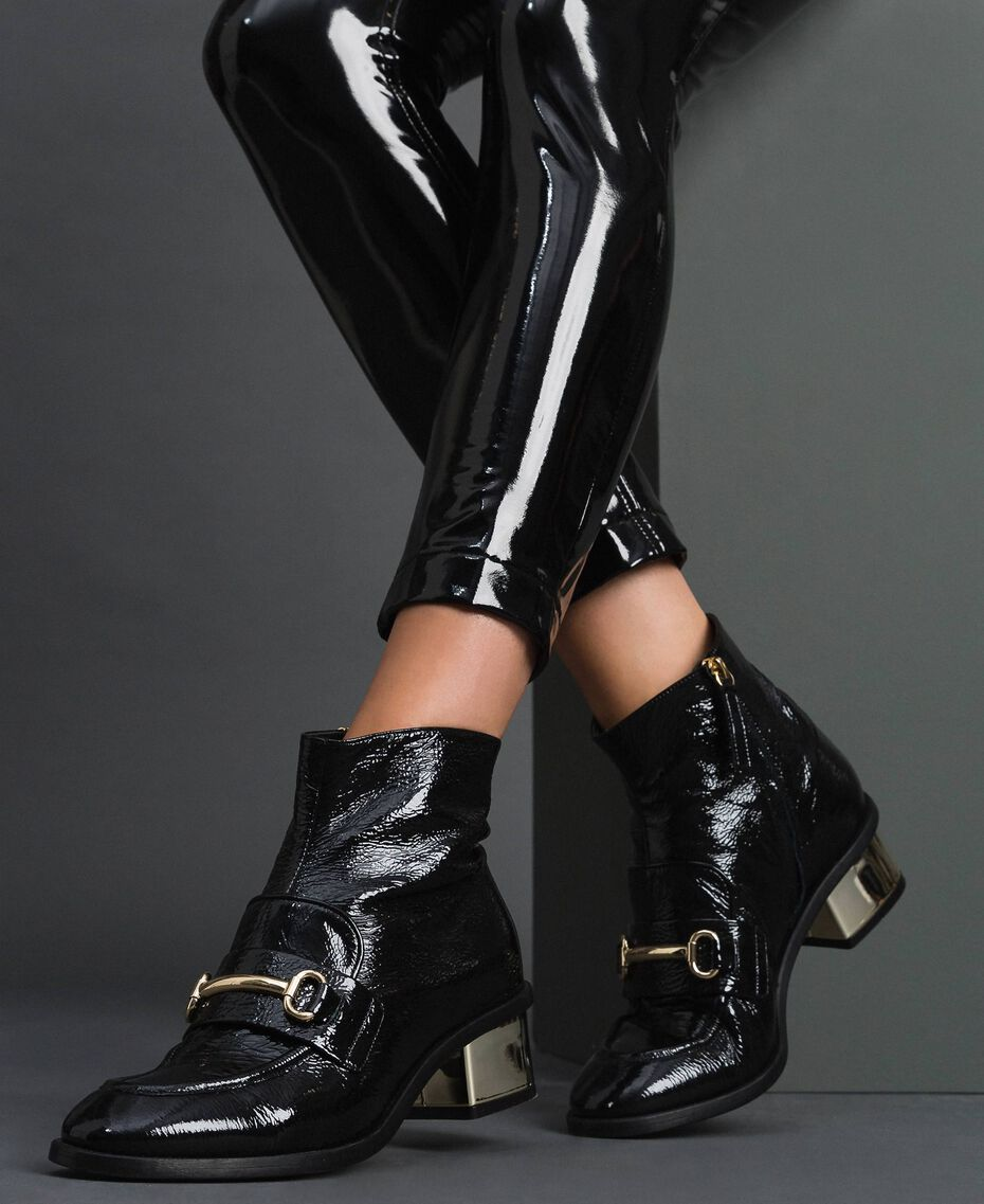 Patent leather ankle boots Black Woman 192TCP122-0S