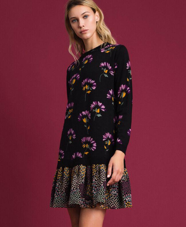 Wollkleid mit Print und Stickereien Blumenprintmix Schwarz Frau 192TT3340-01