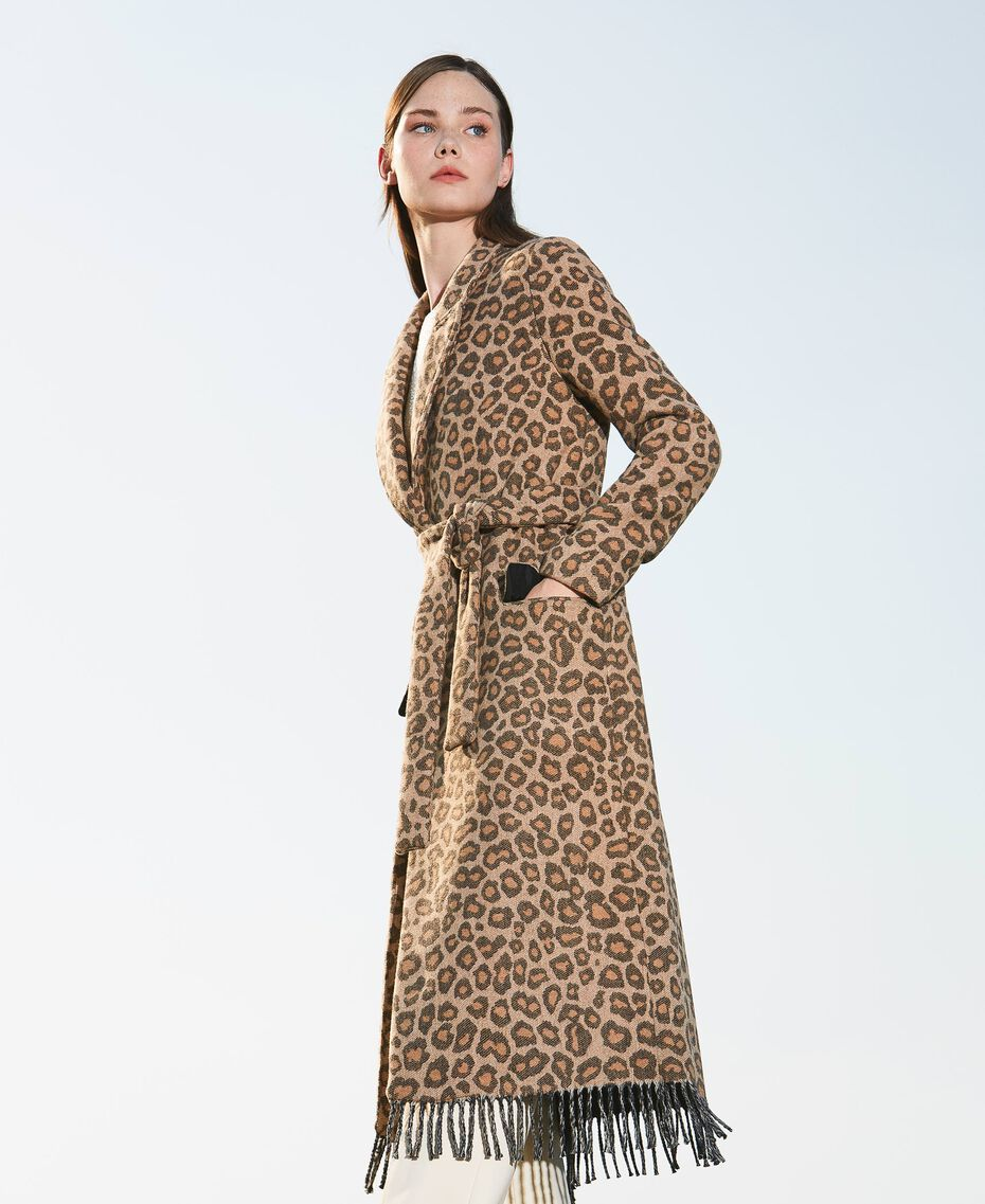 Manteau en drap jacquard animalier Jacquard Animalier Beige Noisette / Tabac Femme 202TT213A-02