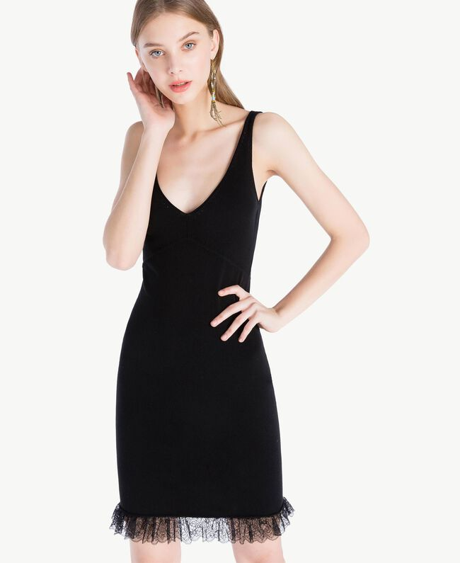 Kleid aus Viskose Schwarz Frau TS832Q-04