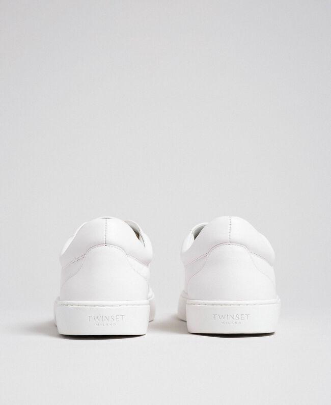 Baskets en cuir avec papillon brodé Blanc Femme 192TCP06A-05