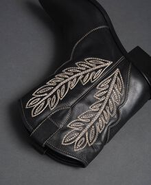 Texas ankle boots with embroidery Black Woman 192TCT06C-04