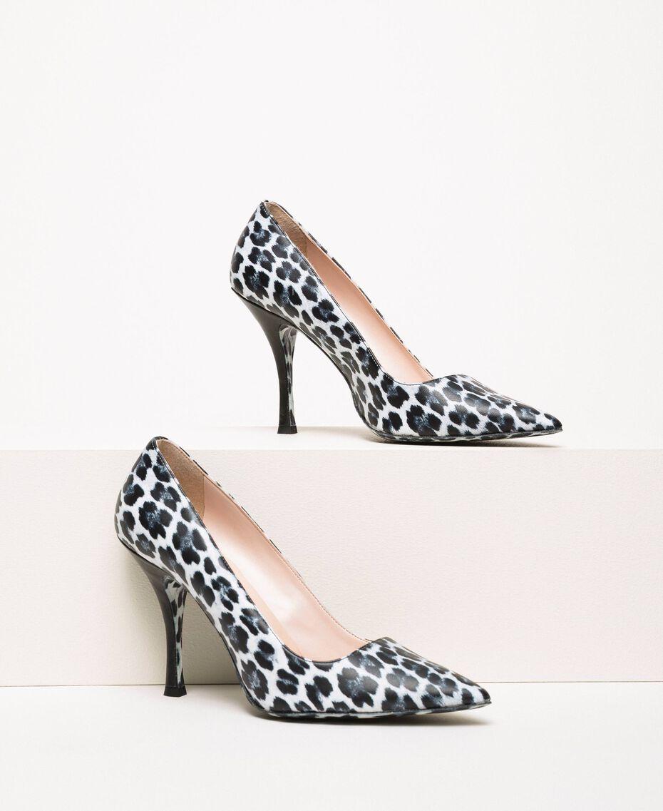 Туфли-лодочки с животным принтом Принт Животный Лилия / Черный женщина 201MCP01N-01