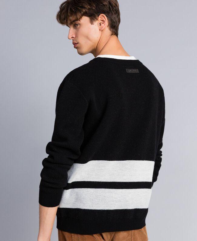 Pull oversize en laine mélangée Noir Homme UA83H2-03