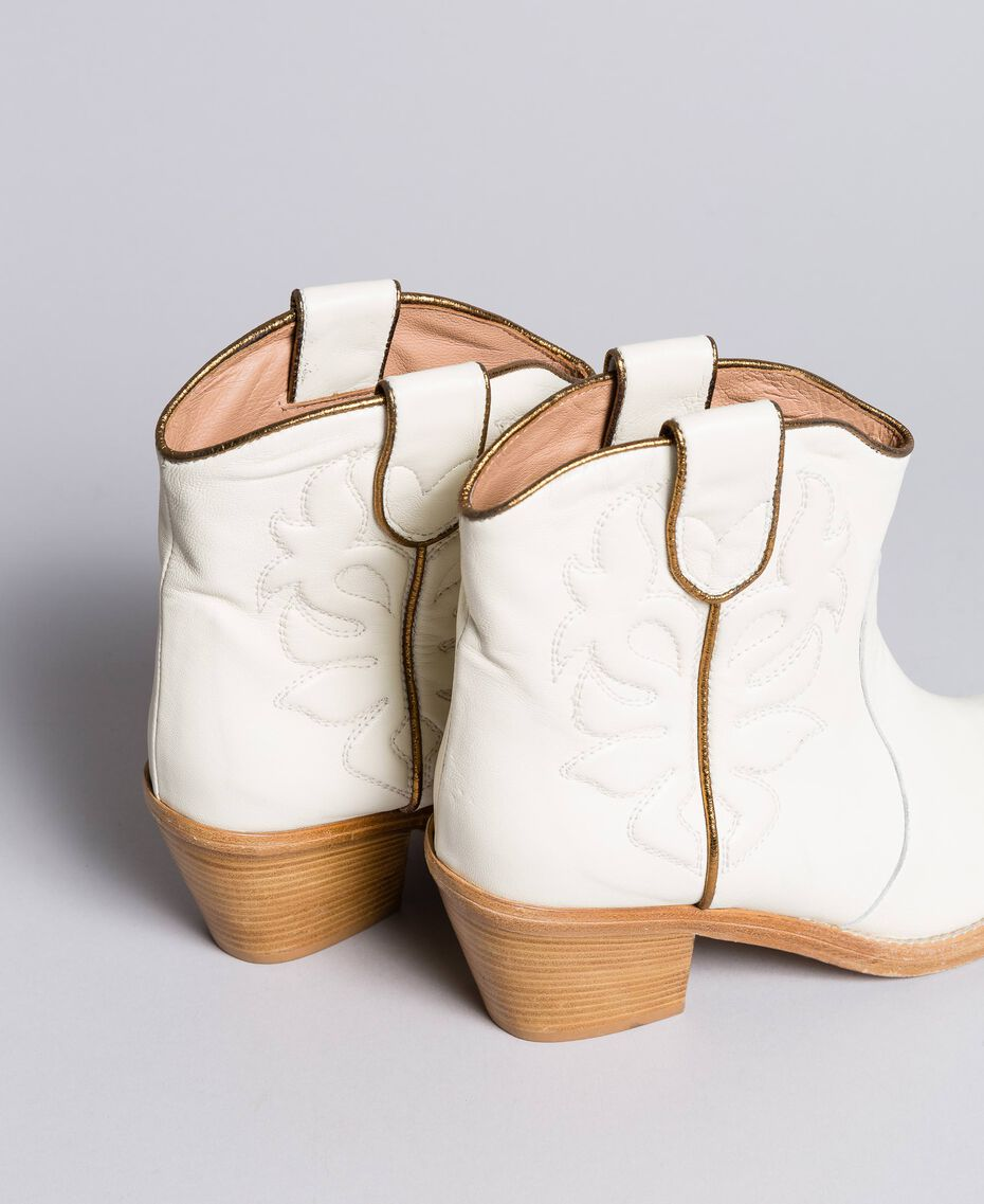 Embroidered leather cowboy boots White Snow Woman CA8TGA-02