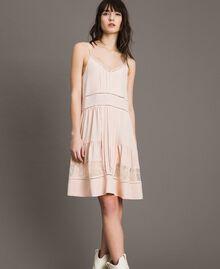 Kleid mit Spitze aus Seidenmischung Blütenknospenrosa Frau 191TP2741-02