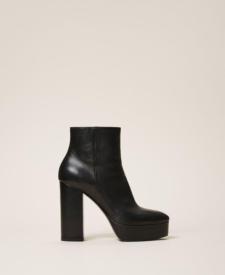 Bottines à plateforme en cuir Noir Femme 202TCP152-02